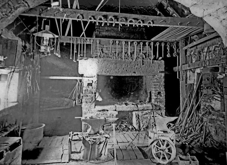 Blue Bell smithy 1925